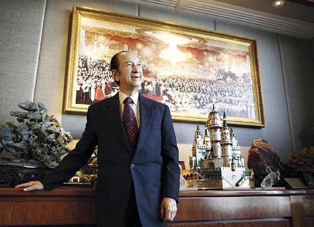 澳门中联办对何鸿燊辞世表示哀悼,对其亲属致以深切慰问