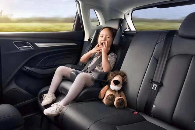 寶寶不愛坐安全座椅,那是因為你沒選對車!