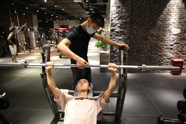 【幼儿园小班剪纸技能培训内容】退伍军人适合做健身教练吗?