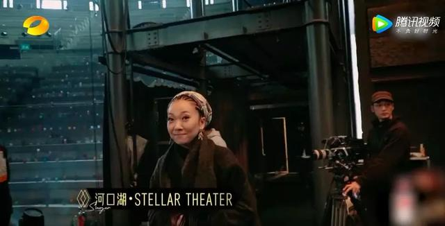 日本天后在《歌手》舞台,唱出了抗疫期最感人的歌