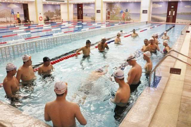 【中国国际职业技能培训中心】秘密大公开—当游泳教练怎么样?