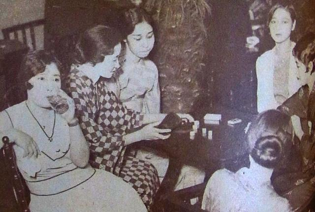 1930年代的日本时髦女,图1那个14岁的清纯女孩,后来悲剧了