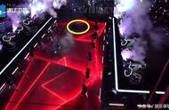 浙江卫视跨年舞台出现黑洞 陈伟霆表演险掉坑 道歉声明被网友怒骂