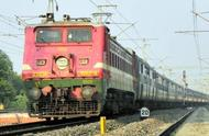 乘坐印度火车是一种怎样的体验?日本人:全靠勇气!