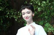 继张馨予之后,吴谨言也剪成了短发!网友:还是长发好看