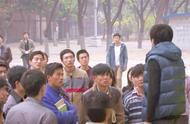 大四学生被处分,同学们组团为他鸣不平,最后校领导决定从轻处罚
