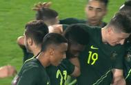 耻辱!半场国奥1-3澳大利亚:3分钟丢2球,2失误,皮球传对手前锋