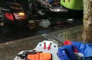 上海突发严重交通事故 多人被撞倒伤势严重 车辆翻个底朝天