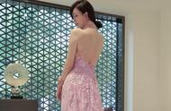 林志玲的中式礼服完美地展现出了她的身材