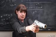 美国州长让老师持枪上课,学生会更安全吗?