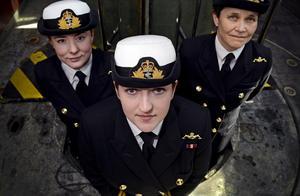英国海军军纪再出丑闻 三名男军官围殴女军官致其毁容