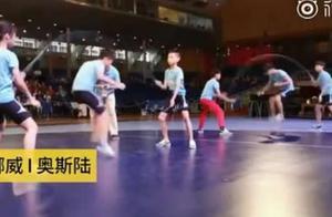 学生跳绳夺60金牌详细情况 学生跳绳夺60金牌画面曝光30秒264次