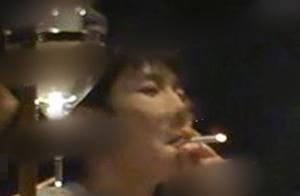 狗仔变戒烟大使?王源抽烟后又一男星抽烟被拍,网友态度截然不同