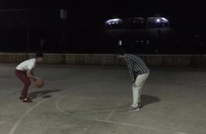 和外国同学一起打球,没有想到我也能进球